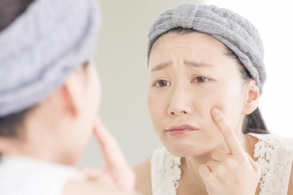 梅雨に起こる肌トラブルの原因と対処法